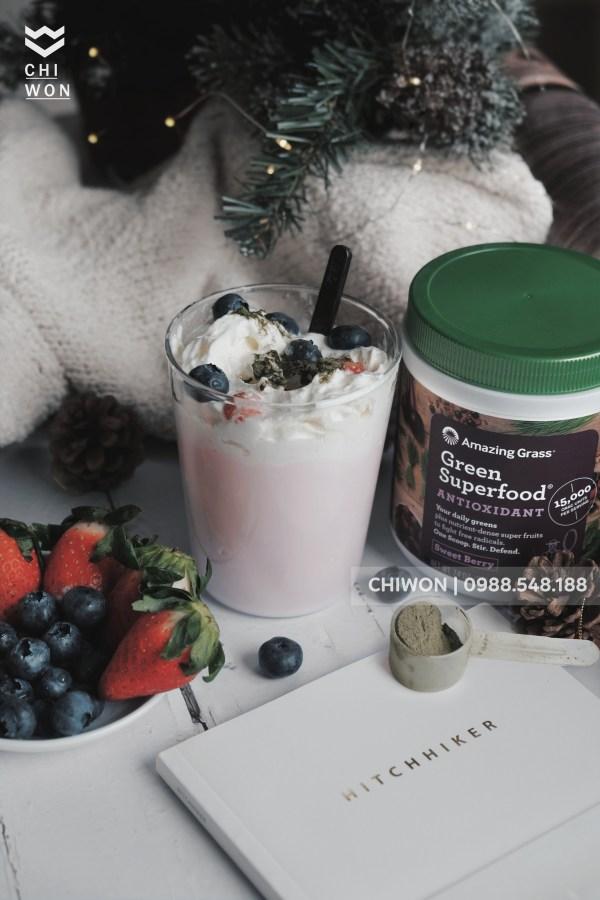Sử dụng bột rau củ quả hữu cơ Amazing Grass làm toping cho các loại đồ uống có kem