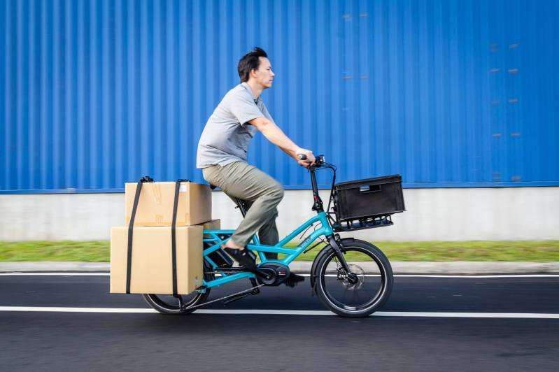 E-bikes to the rescue: 24 cycles and 12 cargo bikes lent to COVID aid organizations