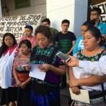 A 20 días desplazadas de Chenalo Chiapas levantan plantón del Palacio de Gobierno