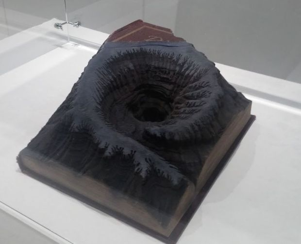 book-art-beyond-reading-2