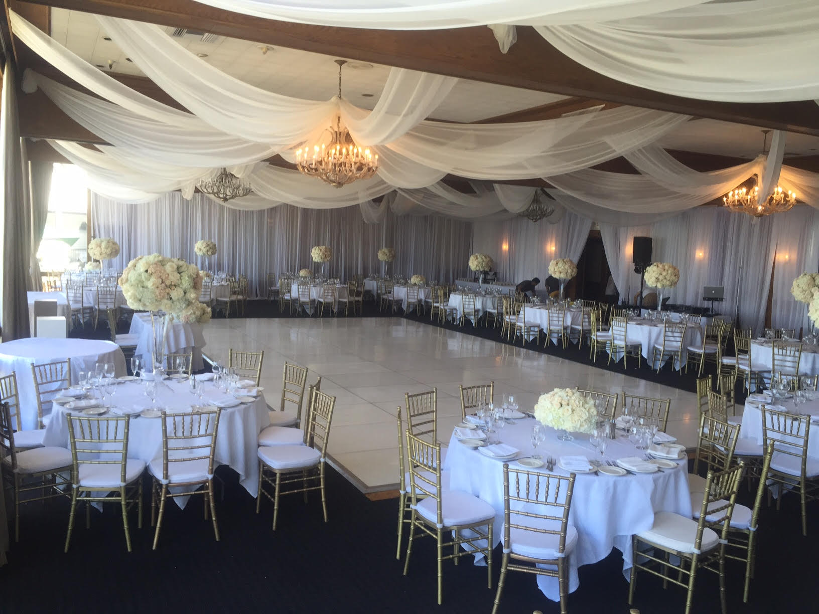 chair rentals long beach ca gym exercise system wedding at the reef restaurant in 818 636 gold chiavari rental