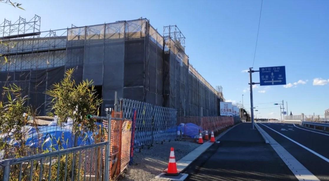 松虫姫公園向かいで建設中の倉庫。05