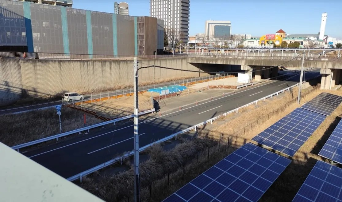 千葉ニュータウン中央駅近くの464でやってる工事。05
