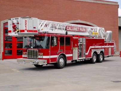 Calumet Park Fire Department HME/Ferrara tower ladder