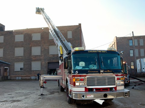 Chicago 3-11 alarm fire at 1428 w 37th Street 12-31-11