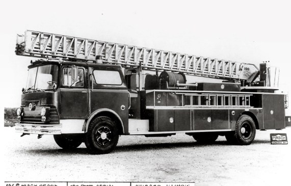 Chicago Fire Department 1968 Mack CF Pirsch aerial ladder