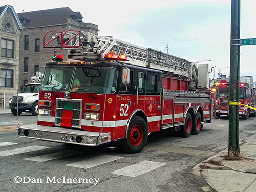 Chicago Fire Department truck 52