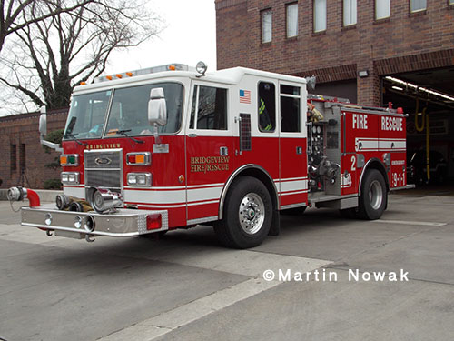 Bridgeview FD Pierce engine