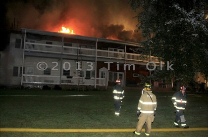 Salem Fire Department 5-alarm apartment building fire in Camp Lake