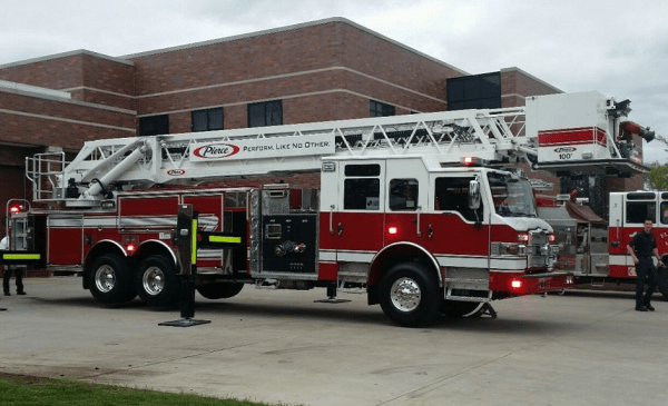 Pierce Velocity tower ladder