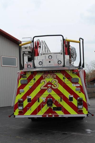 E-ONE Cyclone II tower ladder