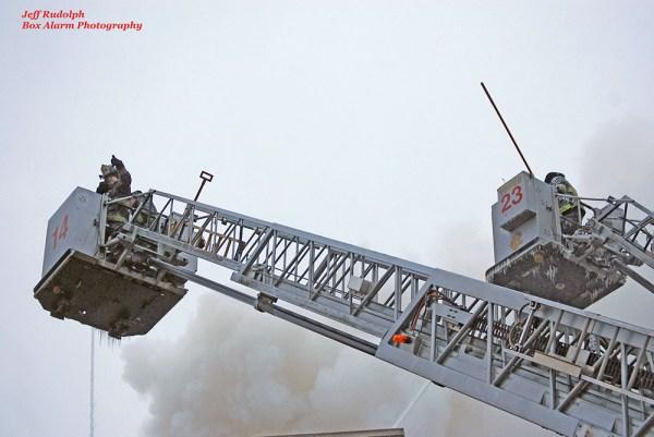 Chciago FD Tower Ladder 14