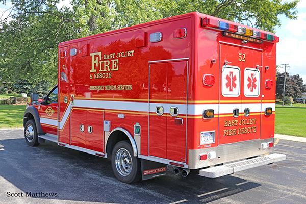 Ford F-450/Horton ALS ambulance in East Joliet IL