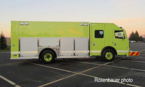 Chicago FD Squad 7 built by Rosenbauer