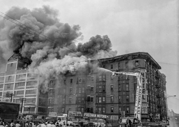 Chicago FD Hi-Ranger Snorkel at historic fire