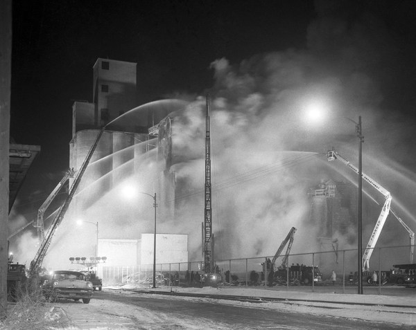 historic massive fire in Chicago in 1965