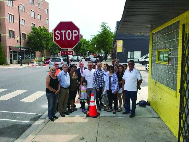 6月14日區長曾特別為位於31街及Shields 街小蜜蜂幼稚園爭取了stop sign.