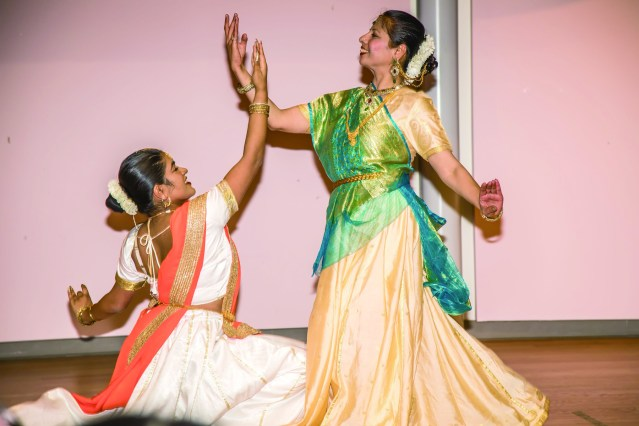 身體語言異常豐富,手語更是變幻莫測的印度舞蹈《Bhajan of Lord Dhri Rama、Chatrang》