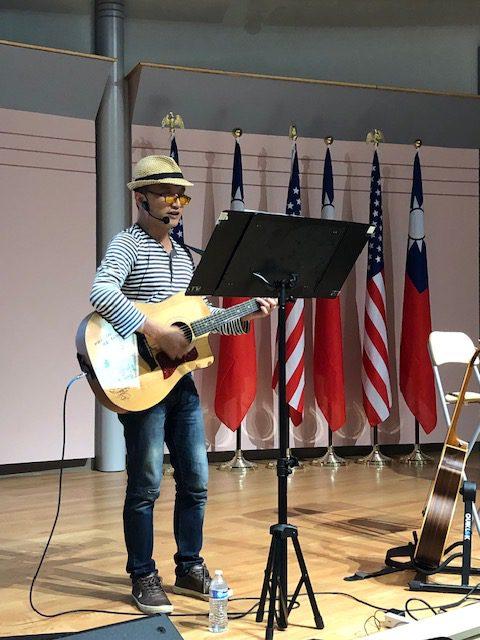 徐志杰吉他自彈自唱膾炙人口的精典歌曲《親蜜愛人》