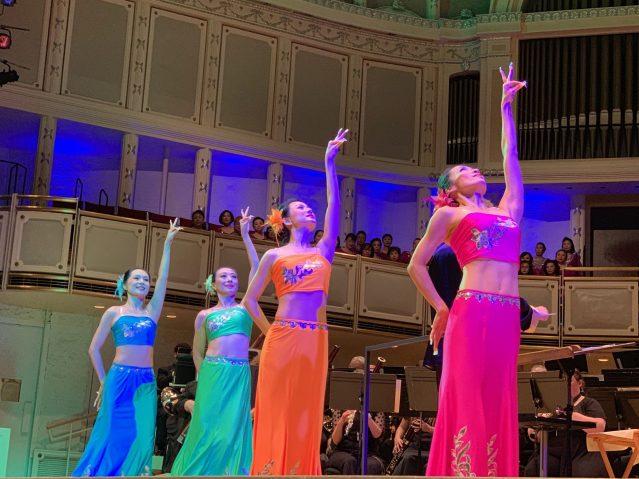 照片九:舞之林藝術團的《孔雀舞》,絢麗服飾讓大家留下了深刻印象
