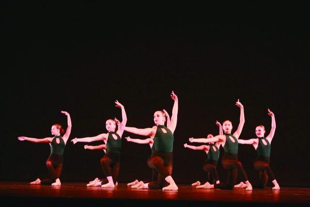 9. Inspire舞蹈學校為大家表演了芭蕾舞