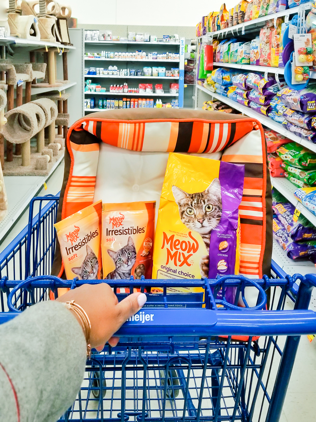 Sale on Meow Mix in Chicago