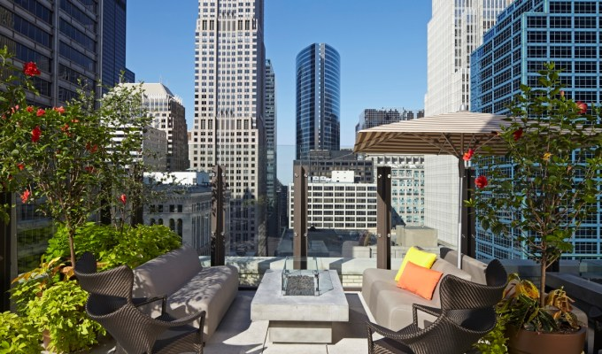 Chicago's Best Rooftop Bars Aire in The Loop