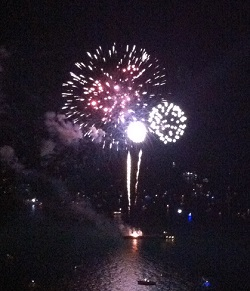 Free Fireworks Wednesday Nights At Navy Pier Chicago On