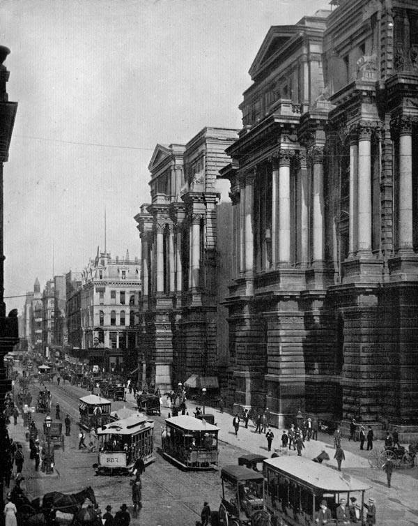 Trolleys on Randolph Street circa 1900