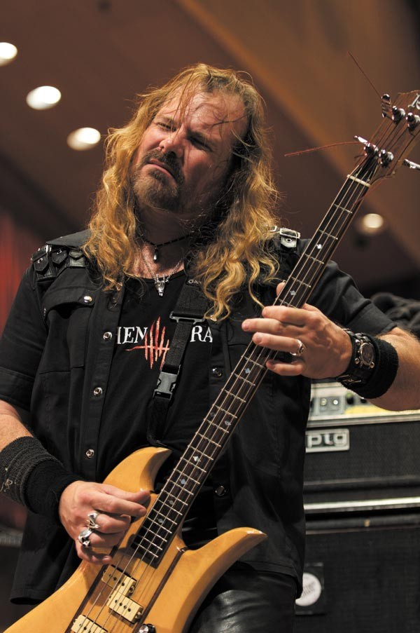 Ron Holzner of Earthen Grave played with Chicago doom-metal band Trouble from 1986 to 2002