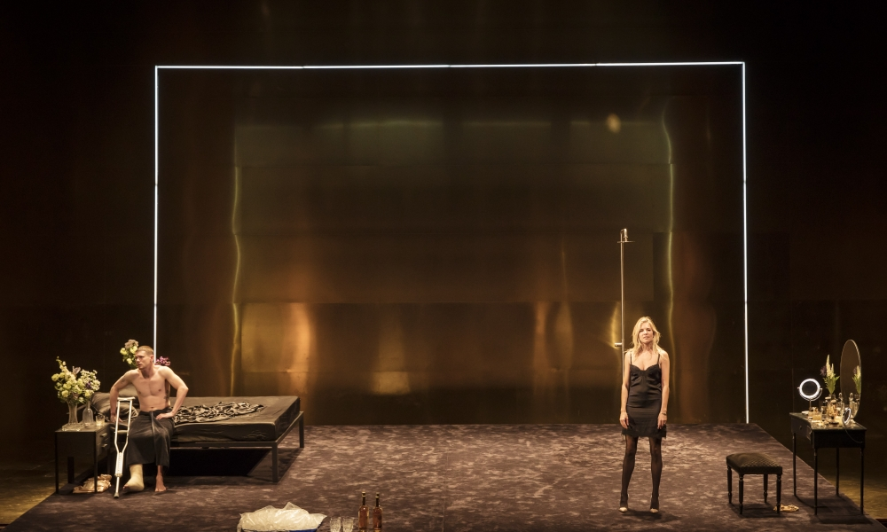 Watch <i>Cat on a Hot Tin Roof</i> via satellite at Music Box Theatre, 3/5.