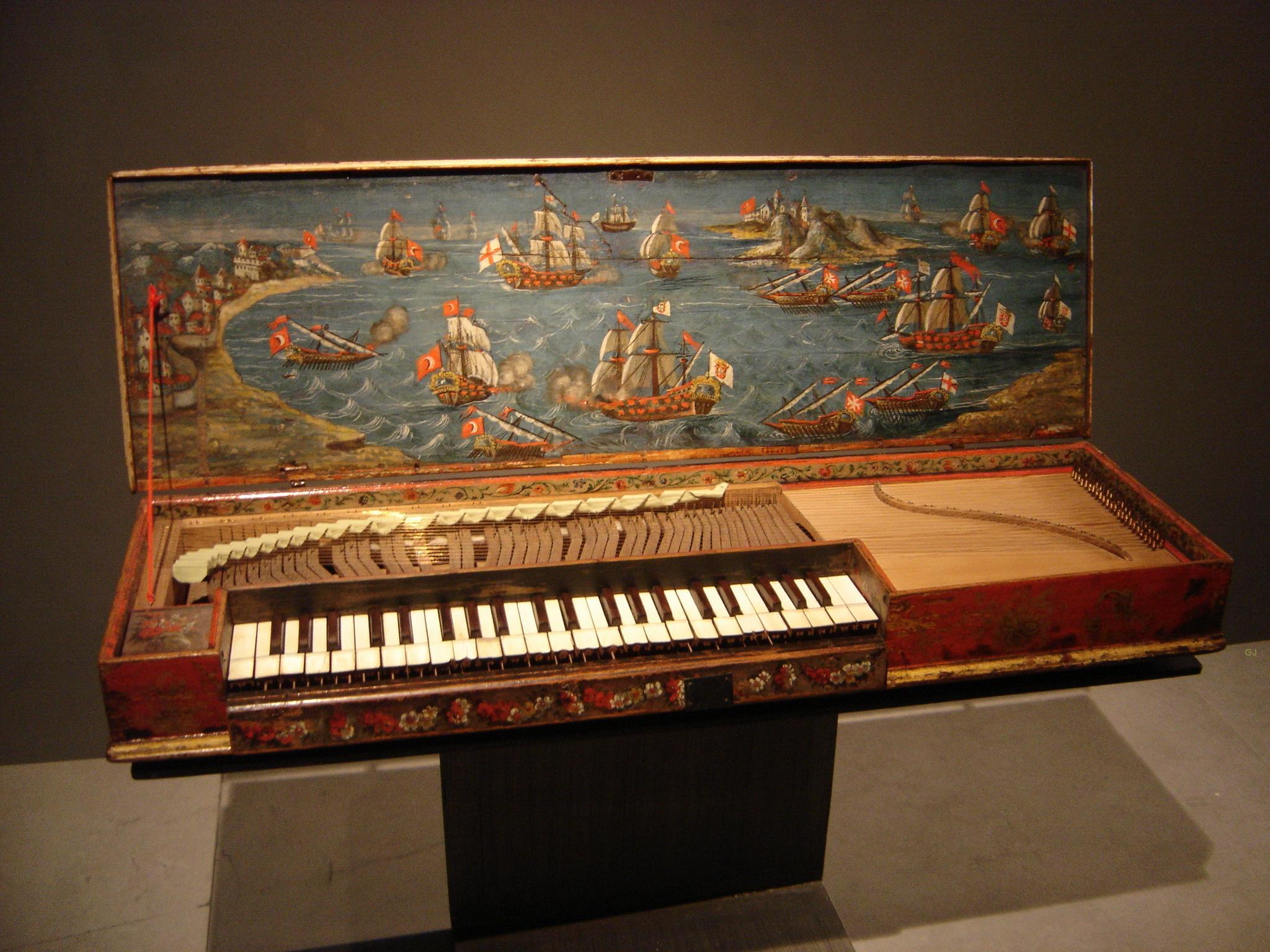 """The """"Lépante"""" fretted clavichord, Musée de la Musique, Paris"""