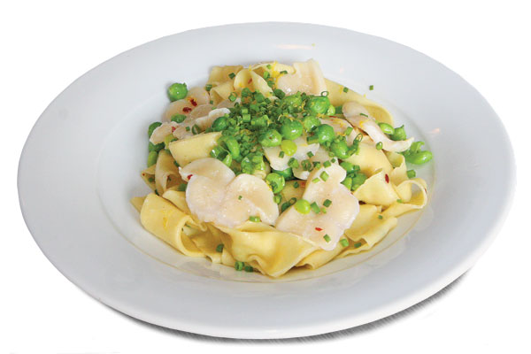 Fresh pasta with geoduck and peas