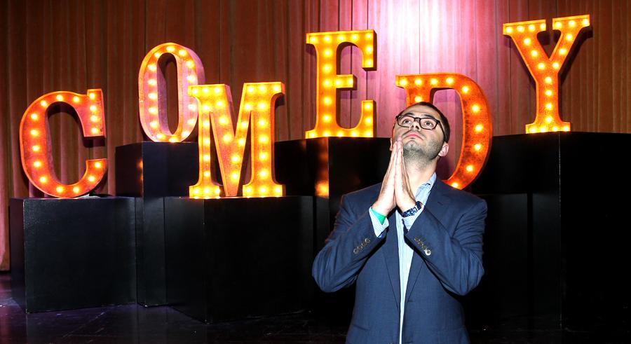 Joe Mande tells jokes at Lincoln Hall on Mon 10/24.