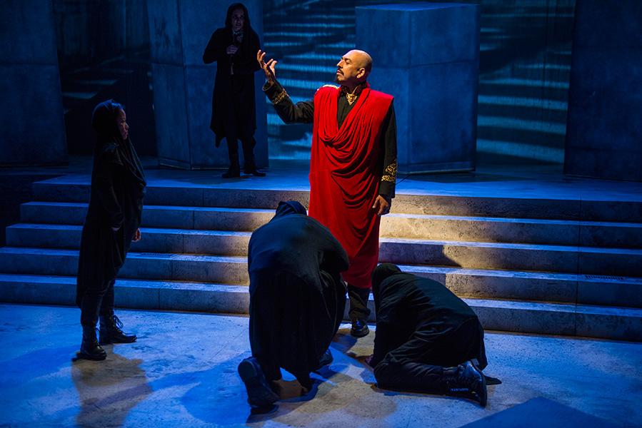 Writers Theatre's <i>Julius Caesar</i>