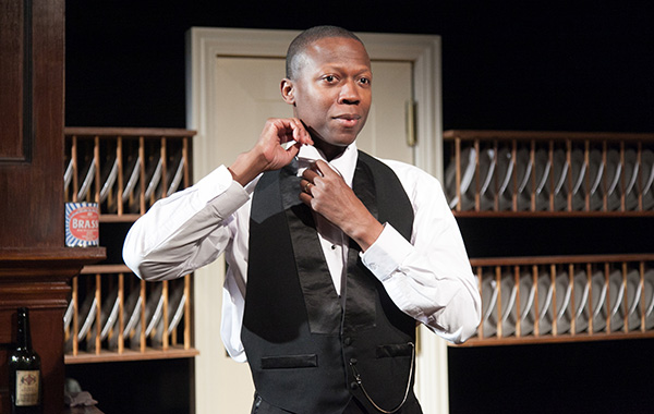 Manny Buckley in American Blues Theater's <i>Looking Over the President's Shoulder</i>