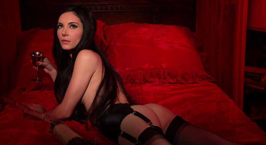 <i>The Love Witch</i>