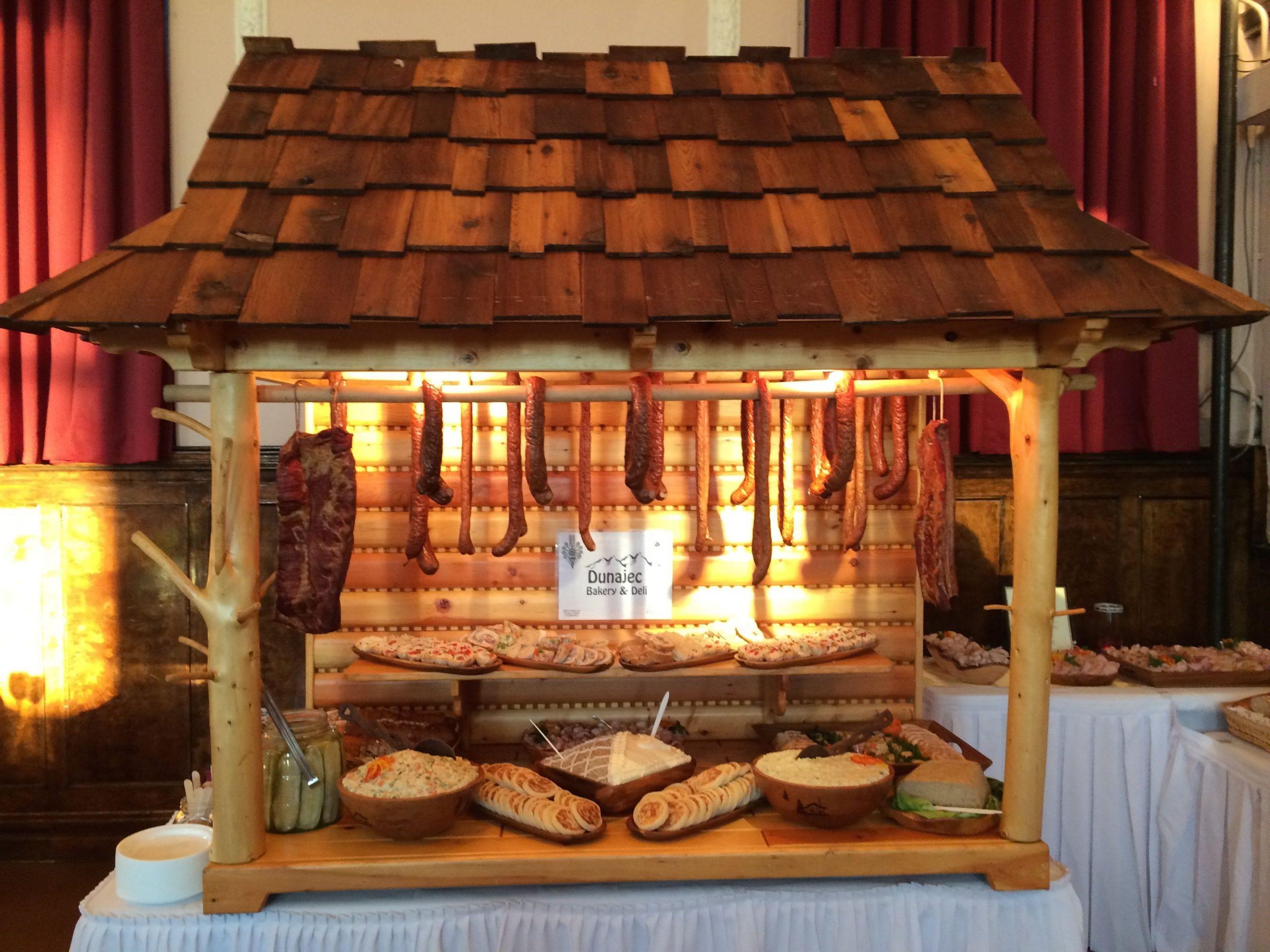 Meat hut from Dunajec Bakery & Deli