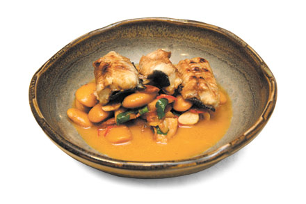 Grilled eel with Spanish-style stew
