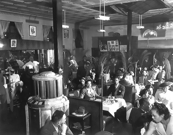 """The interior of the Palm Tavern in the 1940s, when it was owned by James """"Genial Jim"""" Knight"""