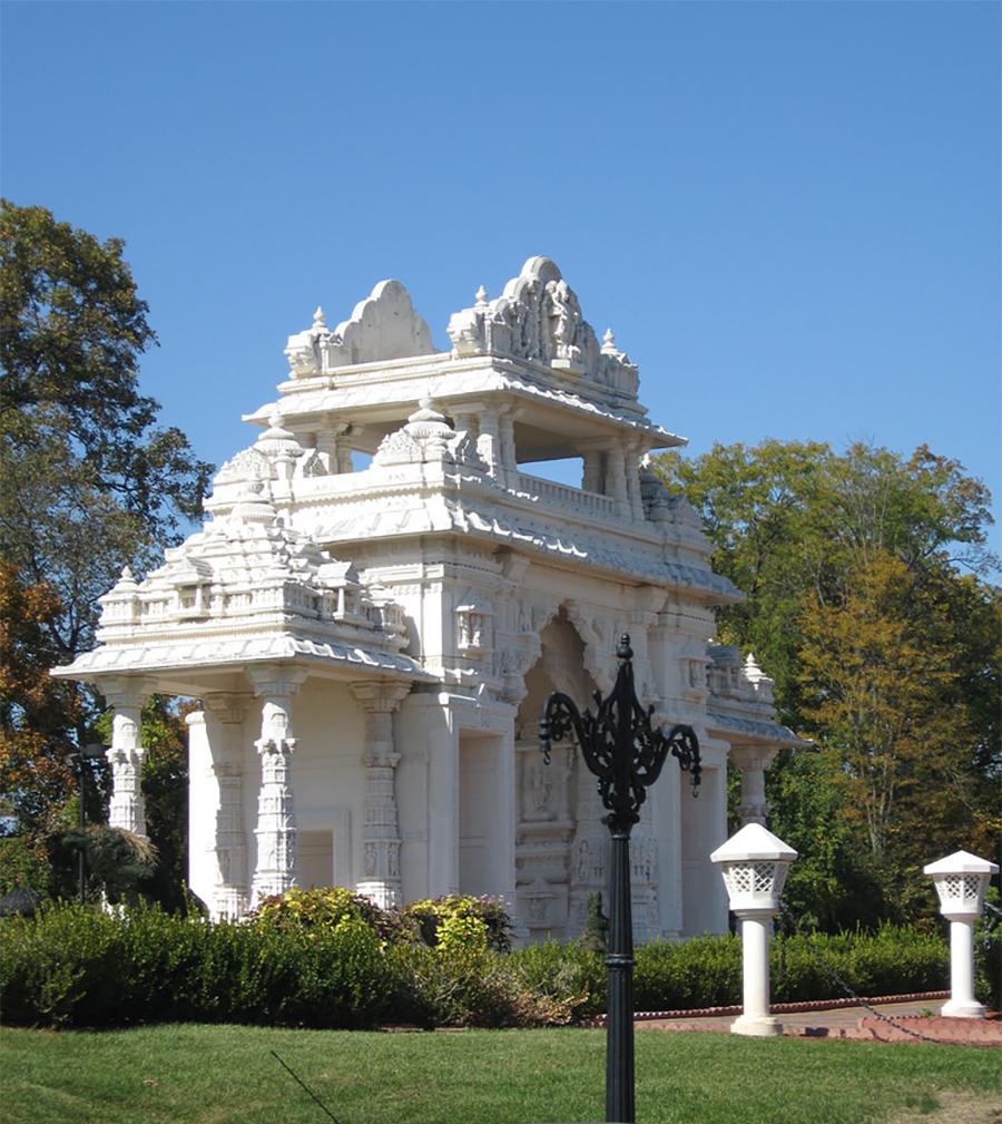 BAPS Shri Swaminarayan Mandir temple in Bartlett, Illinois