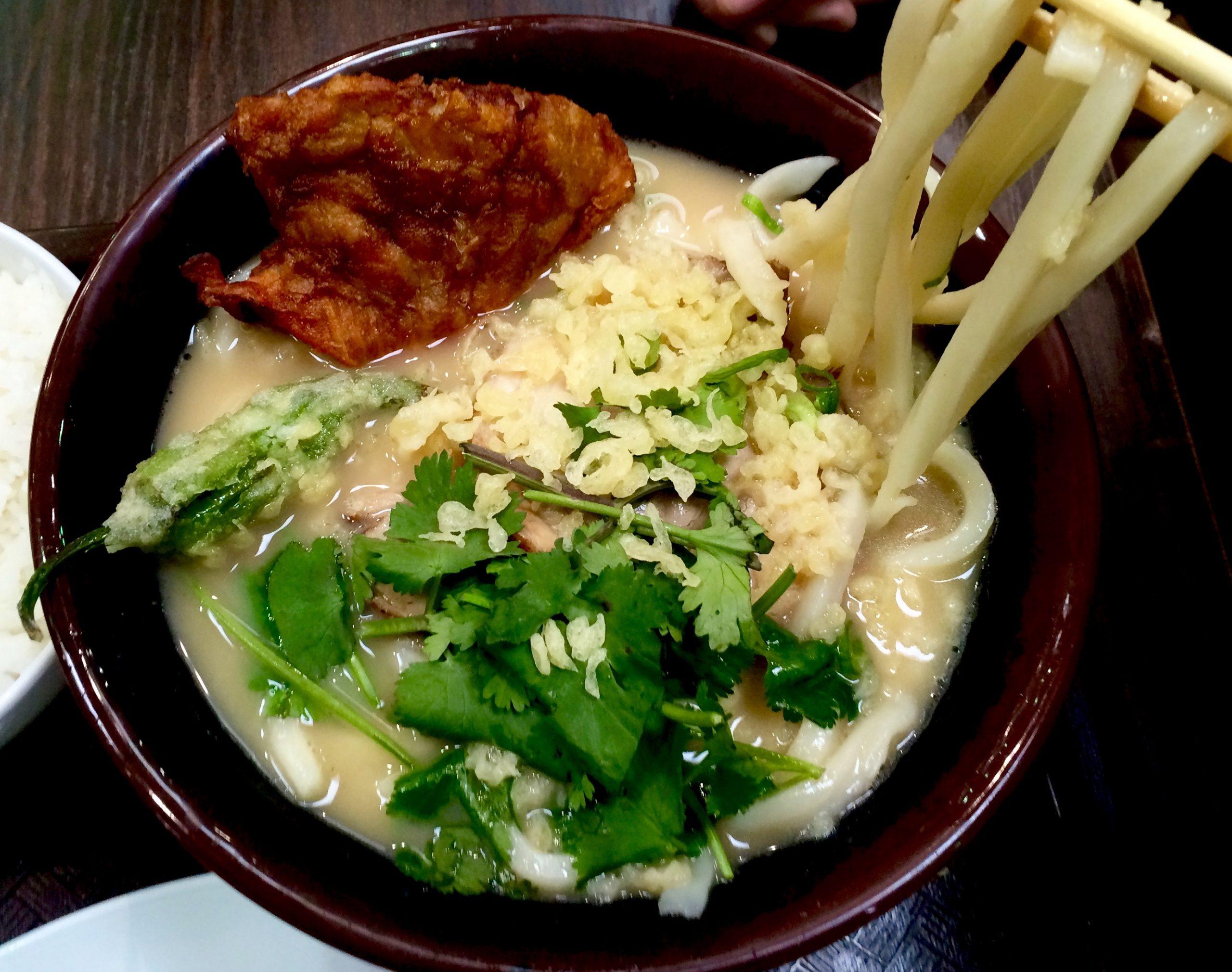 <i>Tonkotsu</i> udon at Mugimaru