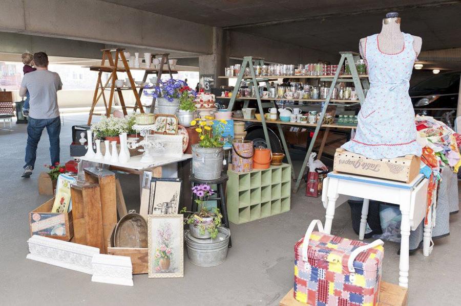 The monthly vintage and antique market Vintage Garage Chicago returns on Sun 4/23.