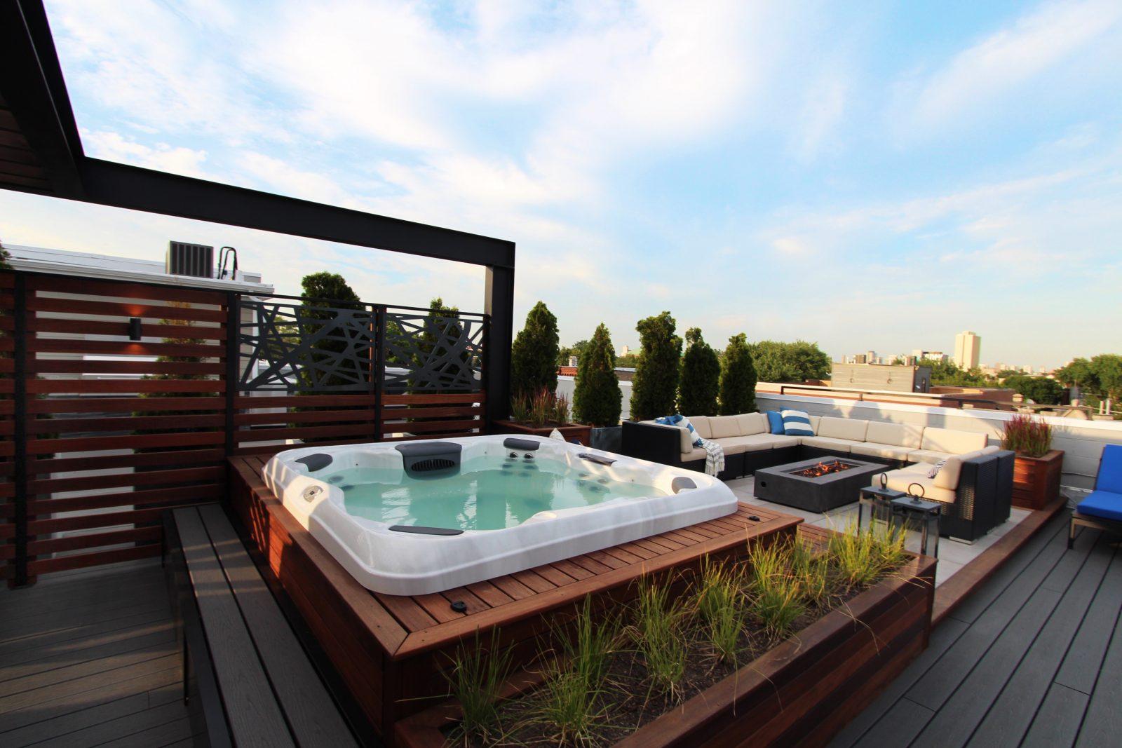 Ukrainian Village House Roof Deck Hot Tub in Chicago