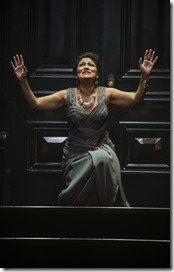 """Sandra Marquez stars as Clytemnestra in Court Theatre's """"Agamemnon"""" by Aeschylus, translated by Nicholas Rudall and directed by Charles Newell. (photo credit: Michael Brosilow)"""