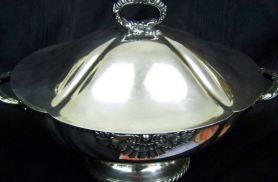 A soup tureen from Kinsley's Restaurant.