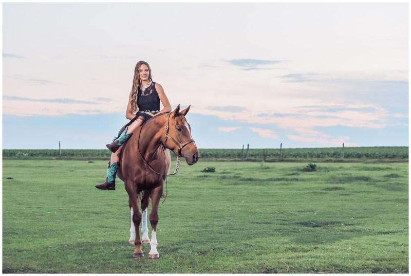 Central Alberta Equine & Grad Photographer