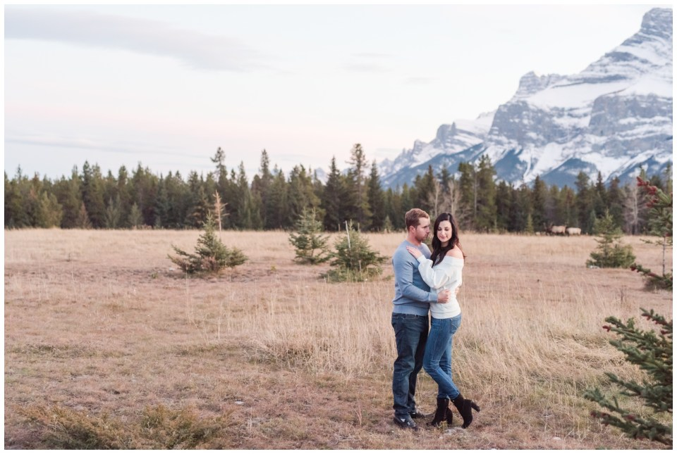 Lake Minnewanka Engagement session