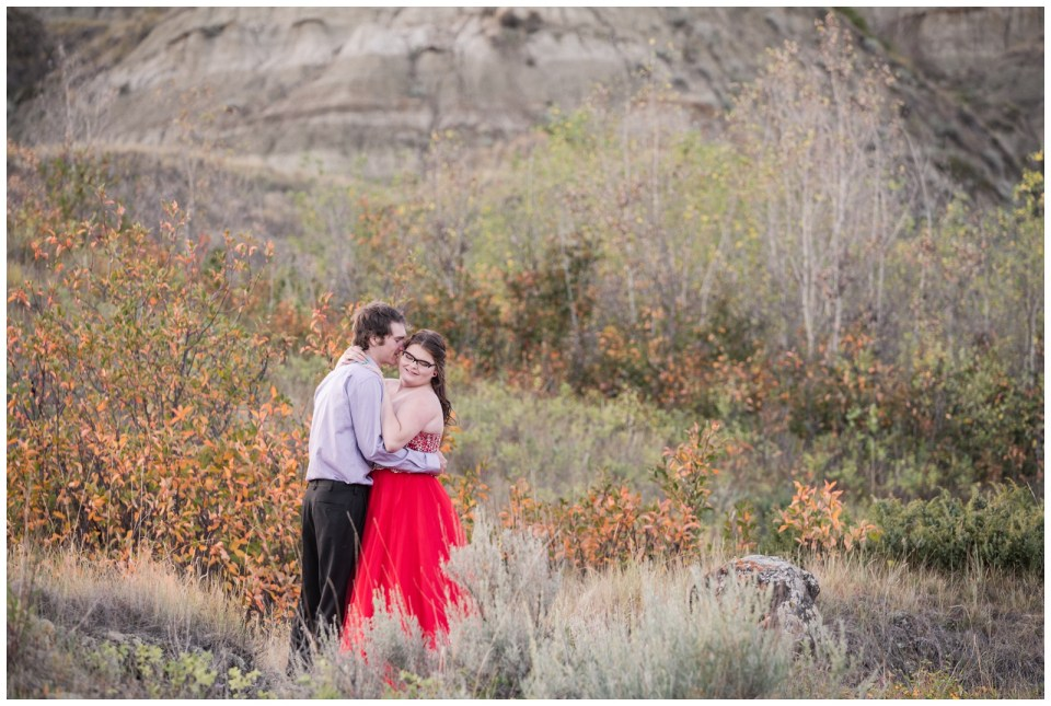 Beautiful fall colors for graduation photos in the badlands