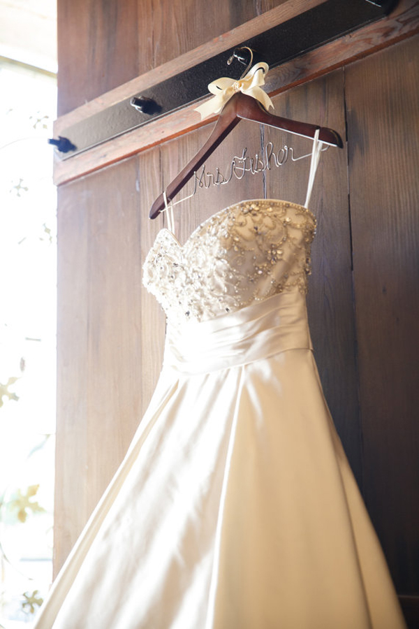 Wedding hangers for your wedding dress